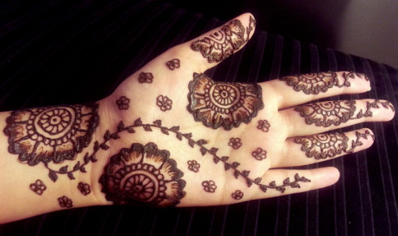 New Latest Henna Design Easy And Simple