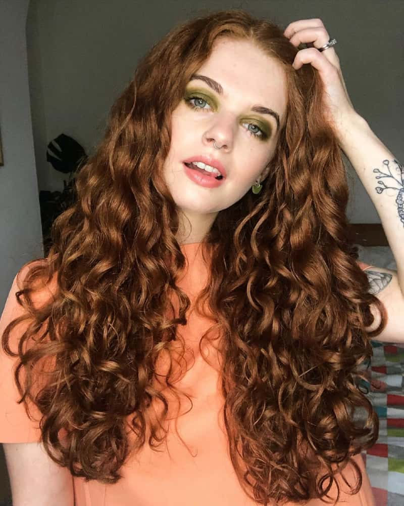 Curl Your Hair Using Plopping Methods